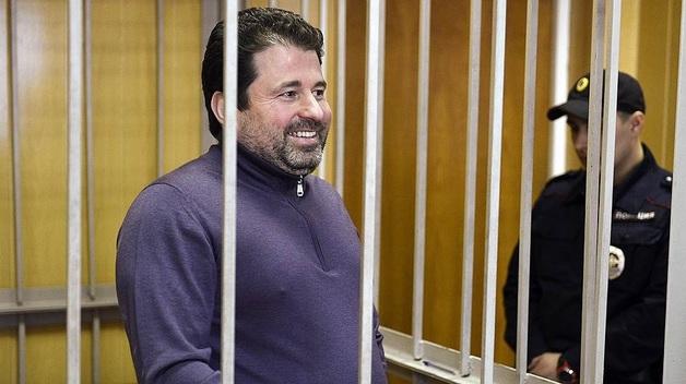 Решальщик Дионисий Золотов не был серьезно наказан за хищение денег у Владимира Евдокимова