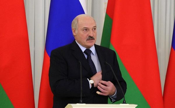 Ведут себя варварски: Лукашенко выступил с обвинениями в адрес России