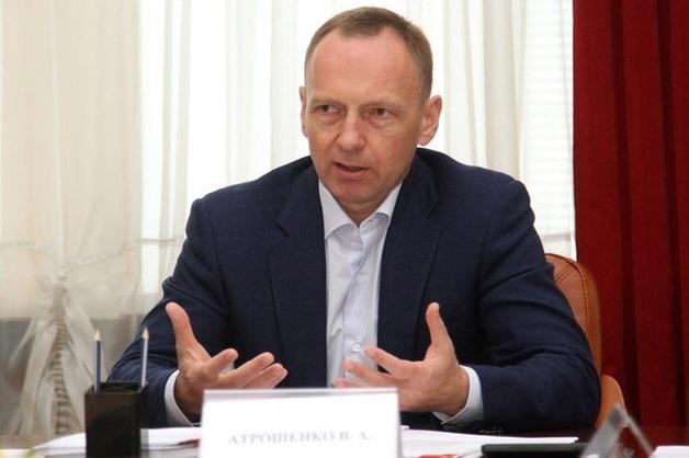 Мэра Чернигова засекли на элитном авто скандального застройщика: что известно