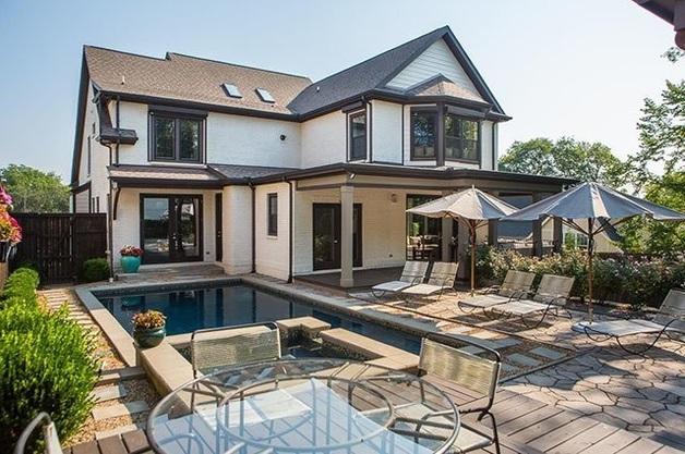 Роскошный дом Кличко после развода выставили на продажу: фото особняка