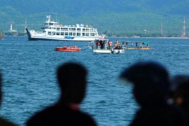 На Кубани завели дело после выхода в море 12-местного катера почти с 70 пассажирами