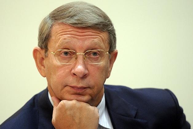 Владимир Евтушенков лихорадочно выводит деньги из России