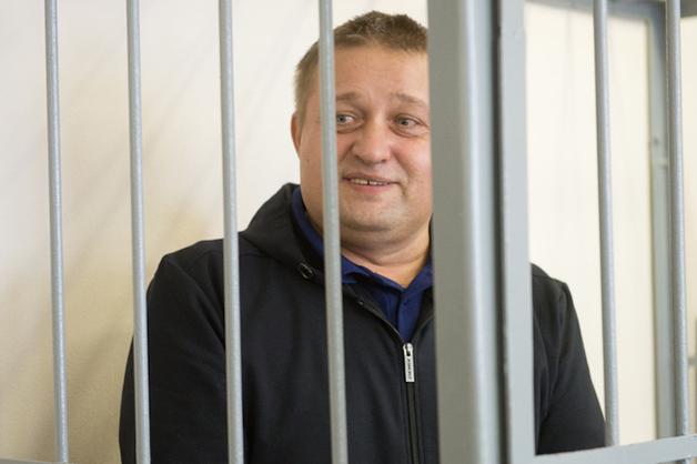 Лидеру ОПС «Уралмаш» пересчитают срок. Суд зачел ему 2 месяца жизни в Эмиратах и 10 месяцев в СИЗО
