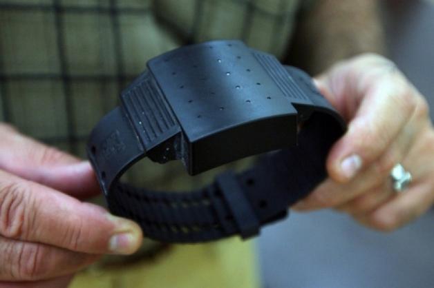 В Петербурге электронных браслетов хватает только половине отправленных под домашний арест
