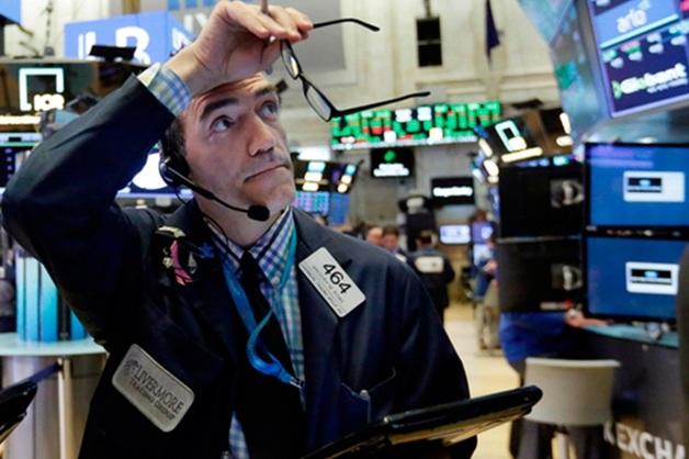 Вопреки обязательствам: Лавров обвинил США в манипулировании долларом