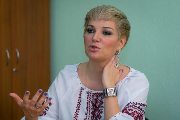 Украинские радикалы вынуждают Максакову покинуть страну