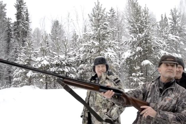 Прокуратура передала в СКР видео, на котором губернатор Иркутской области убивает спящего медведя