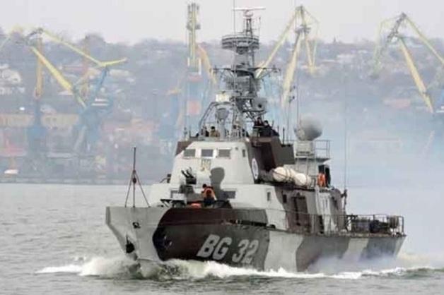 Украина перебрасывает бронекатера в Азовское море