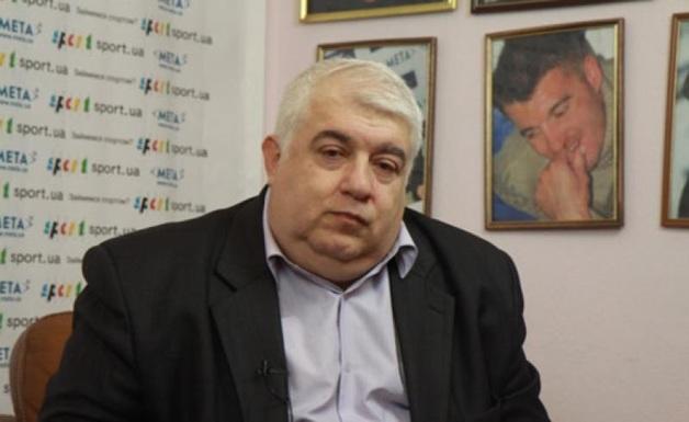 Блогер показал, как «сладко» спит Кирш во время заседания Рады
