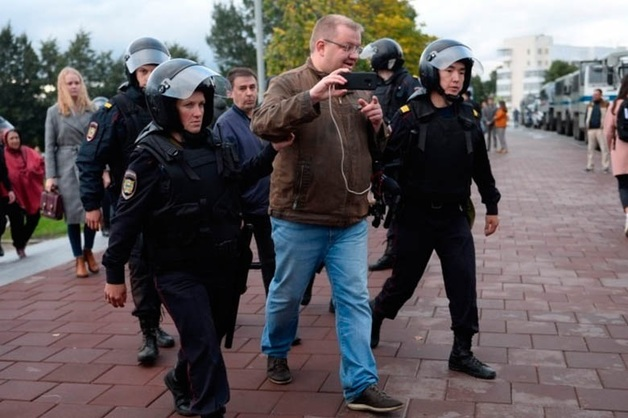 В МВД начали проверку после задержания журналистов на митингах Навального