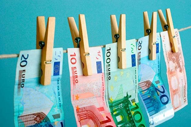 ЕС с новой силой возьмется за борьбу с отмыванием денег