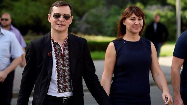 Росита Сайранен соблазняет шаловливого Ляшко платьем от легендарных дизайнеров-геев