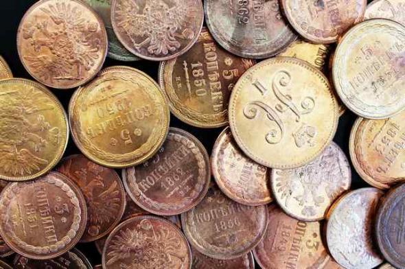 При перевозке в Гохран золотые монеты стоимостью 3,6 млн руб. подменили гаечными ключами