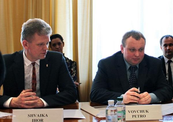Афера на 15 миллионов долларов: как Юрий и Вячеслав Крук купили прокурора