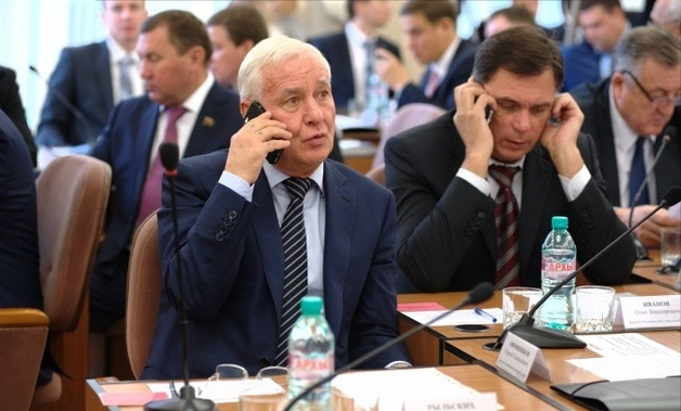 Авторитетного челябинского депутата Виталия Рыльских возмутило «неуважение» чиновников