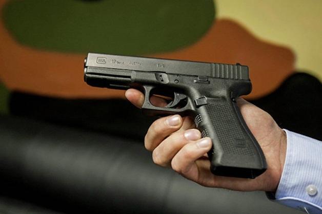 В Свердловской области приставы выставили на торги арестованные ружья и пистолеты