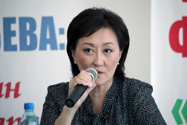 Выигравшая выборы мэр Якутска распорядилась продать дорогие автомобили