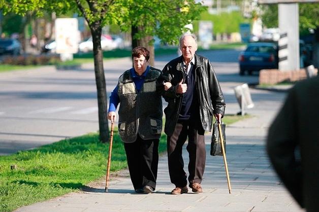 В администрацию президента принесли миллион подписей за отмену пенсионной реформы