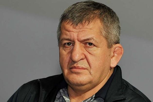 Отец Нурмагомедова: «Заеду ему справа или слева прямо в аэропорту»