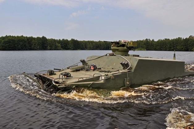 В Дагестане на учениях утонул БТР с двумя военными