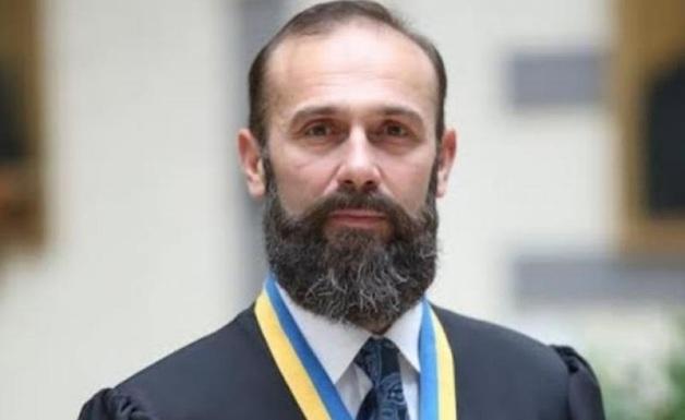 СБУ обвиняет скандального судью Емельянова в финансовых отношениях с террористами