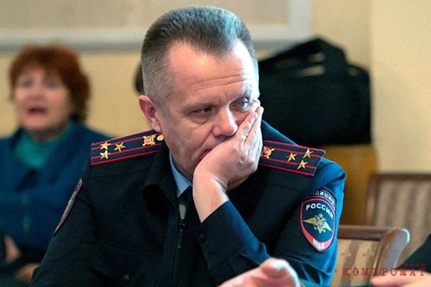 Деньги делил в Москве. Генерал Романюк сознался в покровительстве нелегальному казино за 1,3 миллион рублей