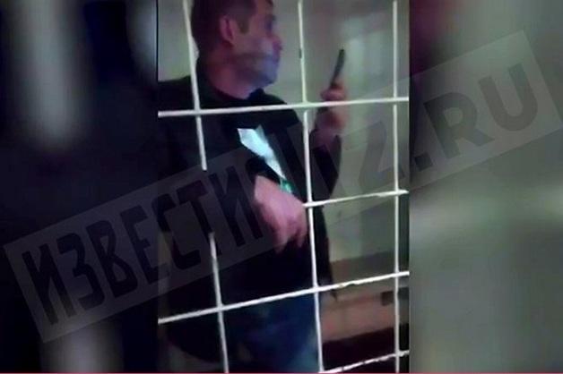 В Петербурге стажер ФСИН устроил пьяную драку и обматерил полицейских