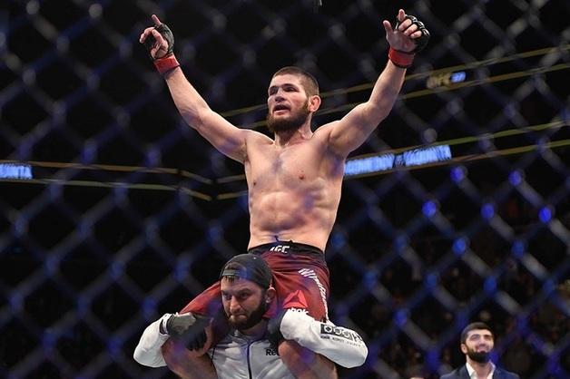 «В джунглях есть только один король»: Нурмагомедов вызвал на бой американского чемпиона Мейвезера