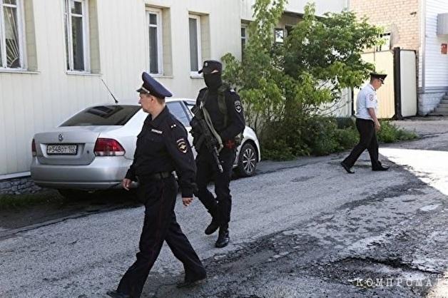 Силовики пришли с обысками в офис ЧОП, отвечавшего за безопасность керченского колледжа