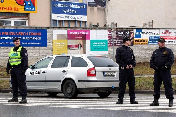В Чехии арестованы несколько россиян за кибератаки на МИД страны