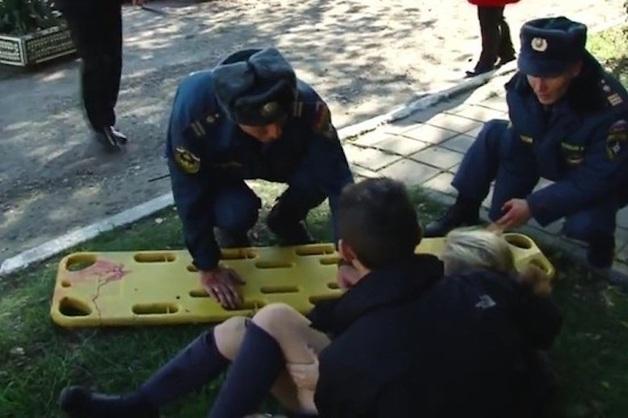 Около 70 человек пострадали, 10 - погибли при стрельбе и взрыве в колледже Керчи