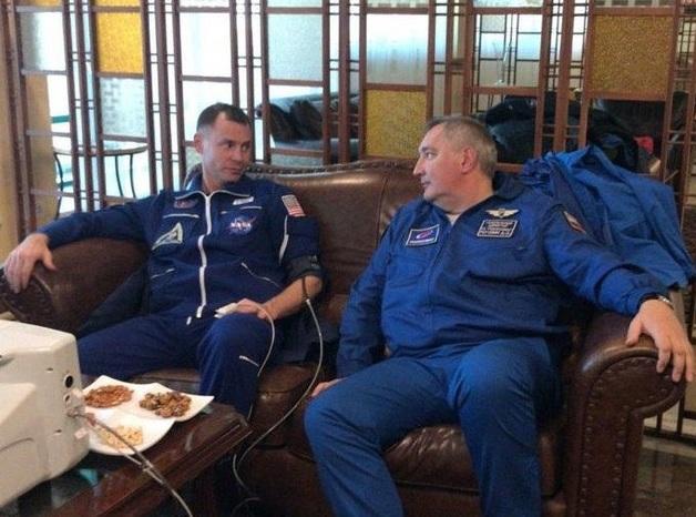 Рогозин тратит 3 млн рублей, чтобы оценить масштаб своего вредительства