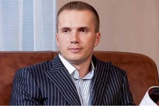 Журналисты показали, как из банка Януковича через банк Порошенко вывели почти 2 млрд