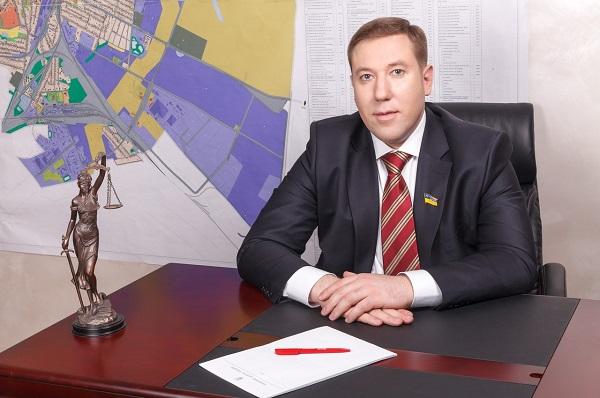 Как депутат БПП Сольвар крышует хищения торфа на Киевщине