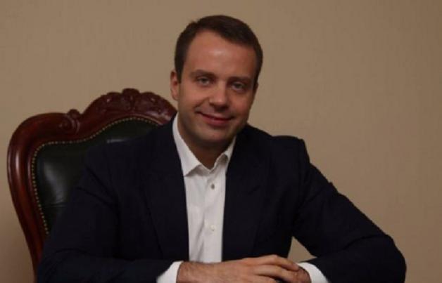 Максим Шкиль, регионал, продолжает нагло обворовывать страну