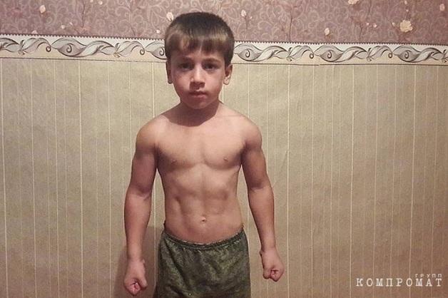 Кадыров подарил Mercedes отжавшемуся более четырех тысяч раз мальчику