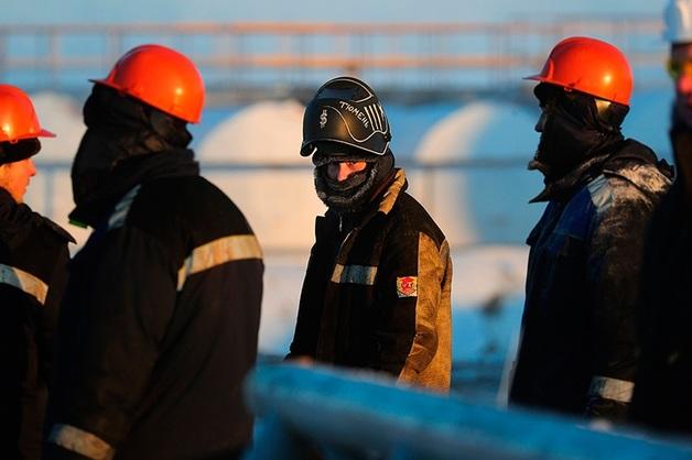 Все нефтяники подписали соглашения о заморозке цен на бензин