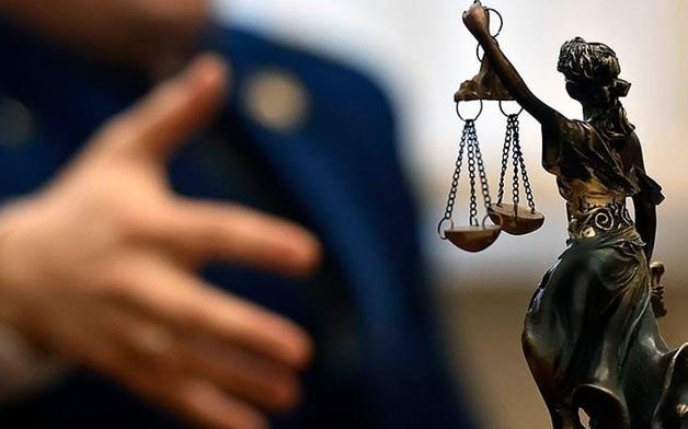 Подозреваемый в хищениях бывший руководитель ФГУП пытался убить следователя по своему делу
