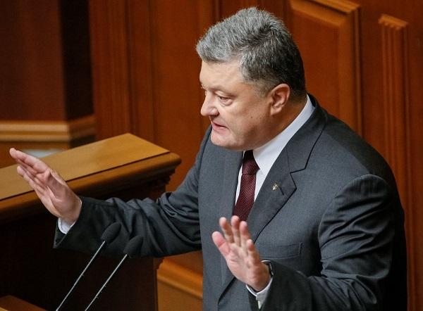 Военное положение: Сколько украинцы заплатили за кортеж Порошенко