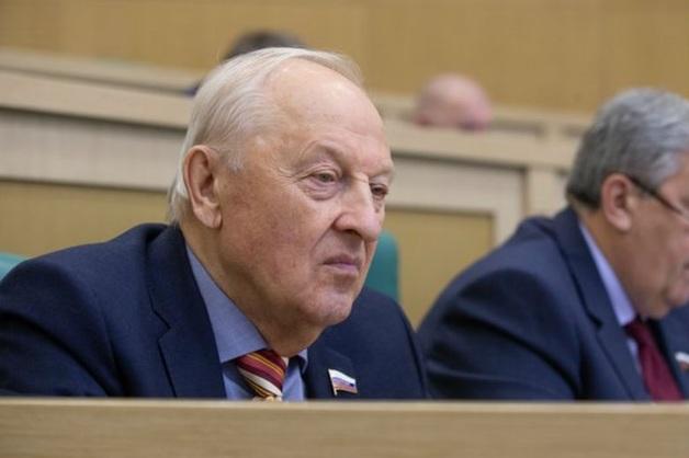 Фигурант «списка Титова» предложил сенатору Росселю сложить полномочия из-за проверки его экс-команды следствием