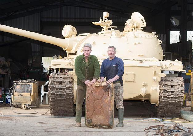 Британец нашел в советском Т-54 золотые слитки
