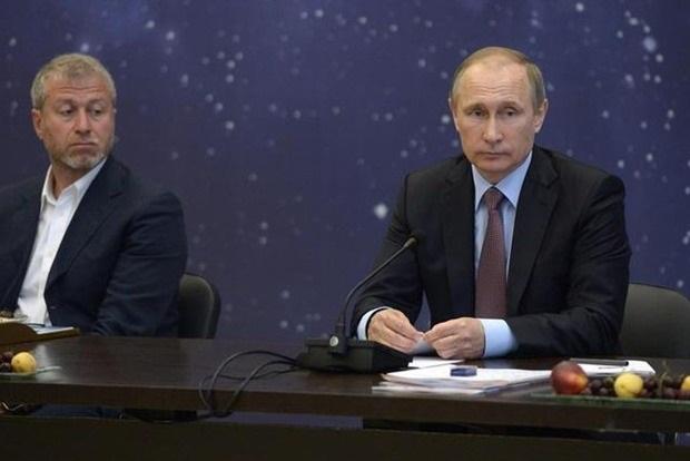 Мишени для спецслужб. Тереза Мэй утвердила «черный» список олигархов РФ