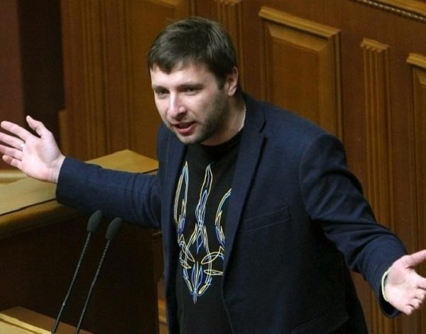 Скандальный нардеп устроил ДТП во Львове: всплыли первые подробности
