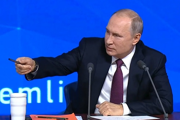 «Стрельнула подводная лодка. И хрен ее знает, ядерная она?». Путин оценил вероятность начала глобальной ядерной войны