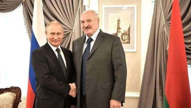 Лукашенко «сливает» Беларусь: стали известны детали встречи в Кремле