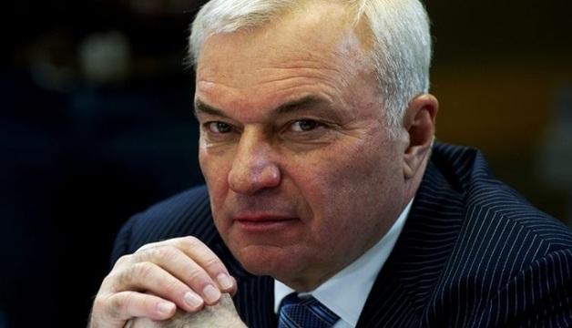 На золотом самолёте в Магнитогорск прилетел олигарх Рашников