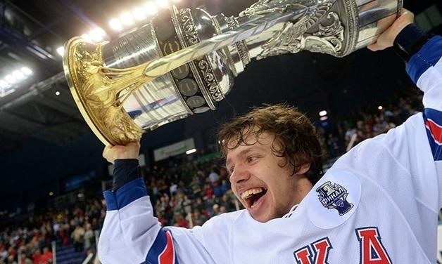 В Петербурге угнали Infiniti хоккеиста НХЛ Артемия Панарина
