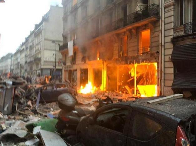 В Париже произошел мощный взрыв: много раненых