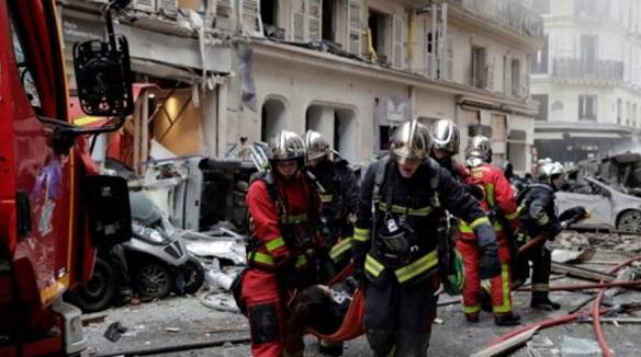 В результате взрыва в Париже погибли 4 человека, 10 находятся в тяжелом состоянии
