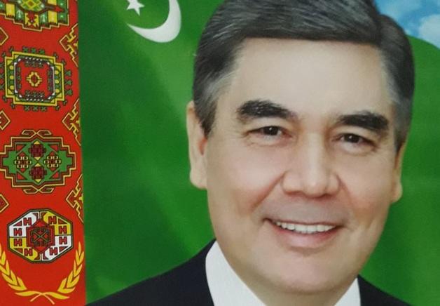 Глава Туркмении перестал краситься и впал в старческий маразм